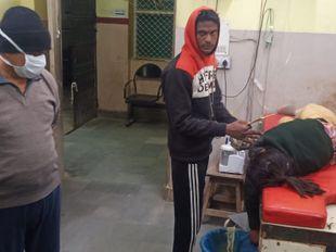 रोटी बनाने की बात पर गुस्साई 13 साल की बच्ची ने जहर खा लिया|बीकानेर,Bikaner - Dainik Bhaskar