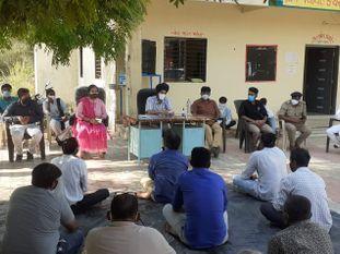 કોરોના સંક્રમણથી પ્રભાવિત સિદ્ધપુર તાલુકાના ગામોની મલાકાત લઇ જિલ્લા કલેક્ટરે જરૂરી સુચનો કર્યા|પાટણ,Patan - Divya Bhaskar