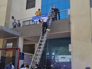 ભરૂચની હોસ્પિટલમાં આગની ઘટના બાદ જામનગરની જીજી હોસ્પિટલમાં આજે ફાયર બ્રિગેડ દ્વારા મોકડ્રીલ યોજાઈ|જામનગર,Jamnagar - Divya Bhaskar
