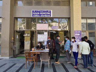 જામનગર જિલ્લામાં કોરોનાનો કહેર યથાવત, આજે નવા 724 કેસ, સારવાર દરમિયાન 70ના મોત|જામનગર,Jamnagar - Divya Bhaskar