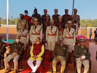 एक शख्स जो सालभर अपने जिन अफसरों को करता है सैल्यूट, गणतंत्र दिवस और स्वतंत्रता दिवस की रिहर्सल के दौरान वही अधिकारी देते हैं सैल्यूट|भोपाल,Bhopal - Dainik Bhaskar