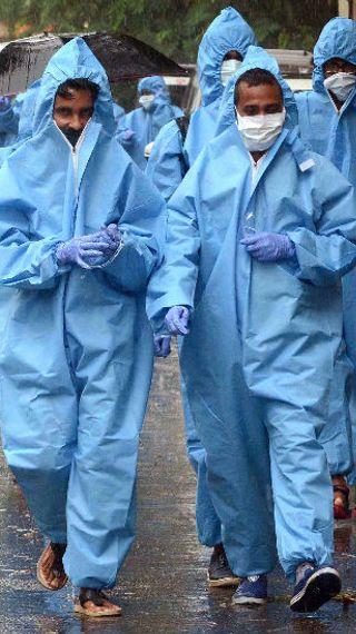 24 घंटे में संक्रमण के रिकॉर्ड 30 हजार 555 नए मामलों की पुष्टि, महाराष्ट्र में 7975 केस मिले; देश में अब तक 9.68 लाख संक्रमित