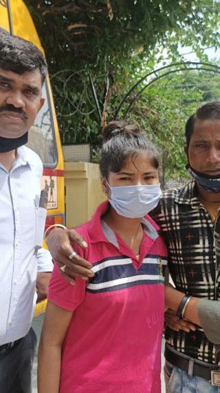 500 से ज्यादा लापता लोगों को अब तक घर पहुंचा चुके, जो बच्चा बोल-सुन नहीं सकता था, उसका घर भी ढूंढ़ निकाला - ओरिजिनल - Dainik Bhaskar