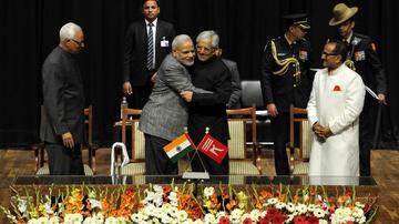 नेहरू से मोदी तक प्रधानमंत्रियों ने अमन बहाली की कोशिश की; भाजपा PDP के साथ गठबंधन कर पहली बार सत्ता में आई देश,National - Dainik Bhaskar