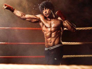 फरहान अख्तर की 'तूफान' 16 जुलाई को OTT प्लेटफॉर्म पर होगी रिलीज, सलमान खान की 'भाईजान' 2022 में दीवाली पर आएगी|बॉलीवुड,Bollywood - Dainik Bhaskar