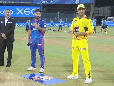 दिल्ली ने चेन्नई के खिलाफ टॉस जीतकर गेंदबाजी चुनी, इंग्लैंड के 2 भाई सैम करन और टॉम करन आमने-सामने|IPL 2021,IPL 2021 - Dainik Bhaskar