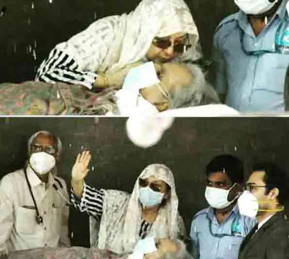 दिलीप कुमार के अस्पताल से छुट्टी मिलने पर सायराबानो ने प्रशंसकों का अभिवादन किया