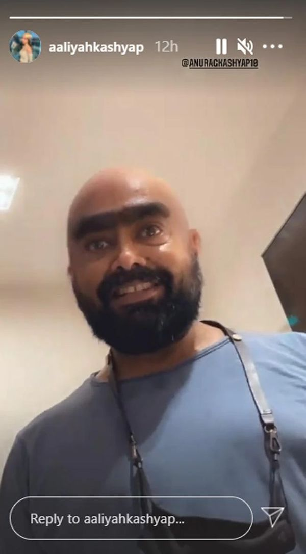 सर्जरी के बाद पहली तस्वीर picture