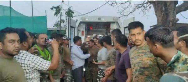 रिहाई के बाद राकेश्वर सिंह की मेडिकल जांच कराई गई।