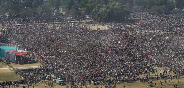समर्थकों की भीड़ देखकर PM मोदी ने कहा कि वे सैकड़ों में रैलियों में गए हैं, लेकिन कभी इतने विशाल जनसमूह का आशीर्वाद मिला हो, ऐसा नजारा आज देखने को मिला है।