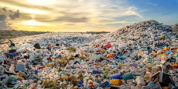 थाइलैंड में बढ़ते प्लास्टिक प्रदूषण को यूनेस्को पहले इमरजेंसी करार दे चुका है।
