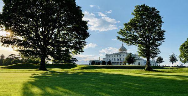 इस पार्क का निर्माण बिट्रेन के राजा जॉर्ज थर्ड के आर्किटेक्ट जेम्स वॉट ने प्राइवेट प्लेस के तौर पर किया था।
