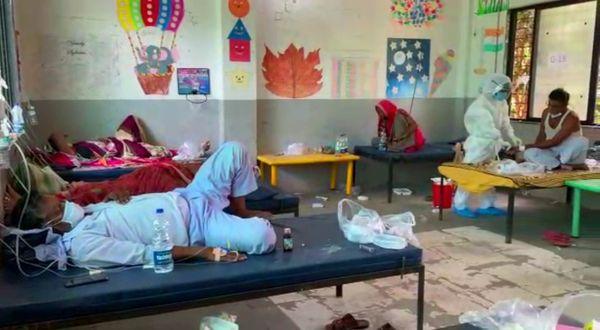 18 अप्रैल से शुरू हुए इस कोविड केयर सेंटर से अब तक डेढ़ सौ मरीज ठीक होकर अपने घर जा चुके हैं।