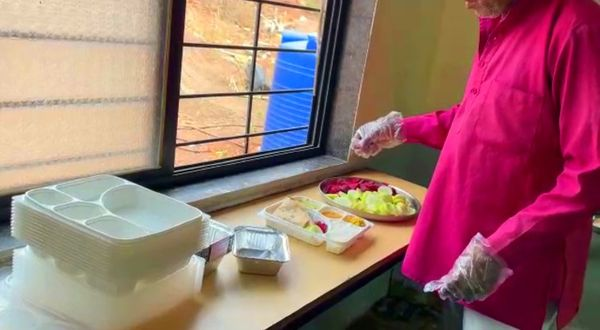 यहां भर्ती मरीजों को 3 वक्त का पौष्टिक भोजन दिया जाता है।