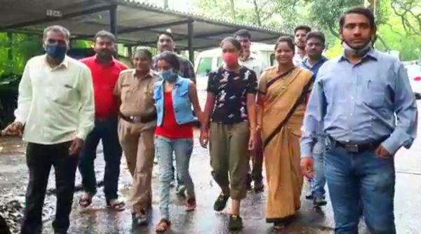 पुलिस को इनके पास से 60 हजार रुपए कैश बरामद हुए हैं।