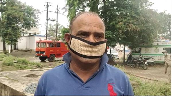फायर स्टेशन प्रभारी अंजनी कुमार तिवारी।