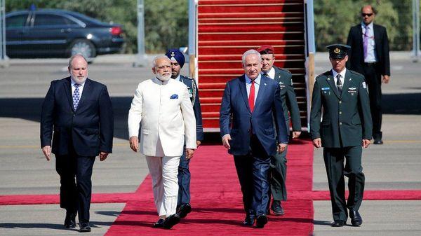 2017 में प्रधानमंत्री मोदी जब इजराइल यात्रा पर गए तो उन्हें रिसीव करने खुद नेतन्याहू एयरपोर्ट पहुंचे थे। इस दौरे के बाद दोनों देशों के रिश्ते काफी मजबूत हुए।