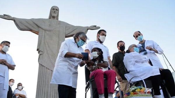 ब्राजील में कल 38,482 लोगों की कोरोना रिपोर्ट पॉजिटिव आई थी।