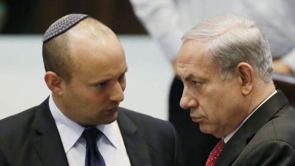 बेनेट नेतन्याहू की तुलना में अधिक कट्टरपंथी यहूदी हैं, वह हमेशा यहूदी धार्मिक पारंपरिक टोपी पहनते हैं।