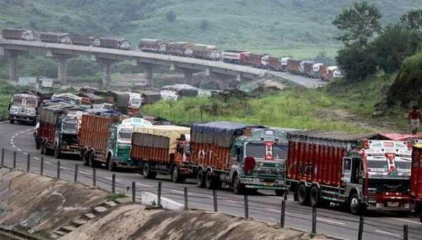 अक्टूबर 2020 में जब विवादित सीमा से मिजोरम ने सुरक्षा बलों को वापस नहीं बुलाया तो असम में नागरिकों ने नेशनल हाईवे 306 को ब्लॉक कर दिया। इससे मिजोरम पूरे देश से कट गया था। यह हाईवे ही मिजोरम को देश के अन्य हिस्सों से जोड़ता है।