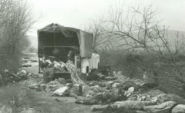 जो लोग केमिकल के अटैक से बचने के लिए भागने की कोशिश कर रहे थे, उन पर इराकी सेना ने केमिकल डालकर रास्ते में मार दिया।