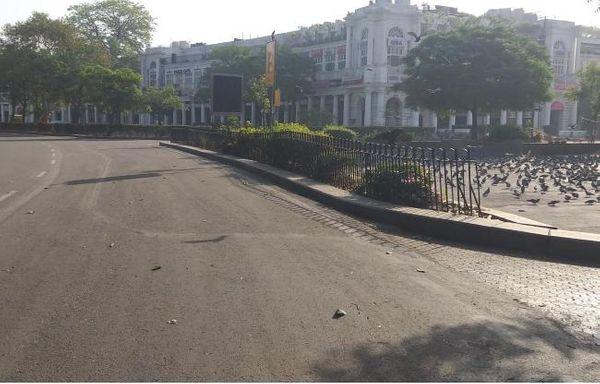 દિલ્હીમાં આજે વીકએન્ડ કર્ફ્યૂનો બીજો દિવસ છે.
