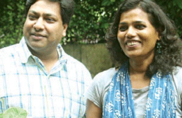 'वसुधा' की निर्माता और मुख्य अभिनेत्री गीता नायर के साथ सुबोध चोपड़ा: फाइल फोटो