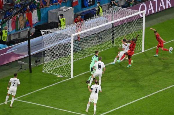 बेल्जियम ने दूसरे हाफ में गोल करने का आसान मौका गंवा दिया।