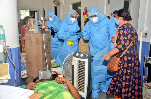 मुख्यमंत्री प्रमोद सावंत ने भी GMCH का दौरा किया था। वे मरीजों और परिजनों से मिले थे।
