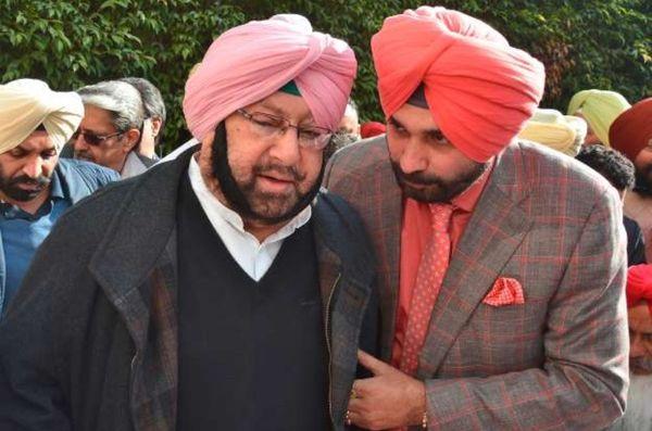 सिद्धू और अमरिंदर सिंह भले ही सार्वजनिक मंचों पर साथ दिखाई दिए हों, उनके बीच विवाद काफी पुराना है।