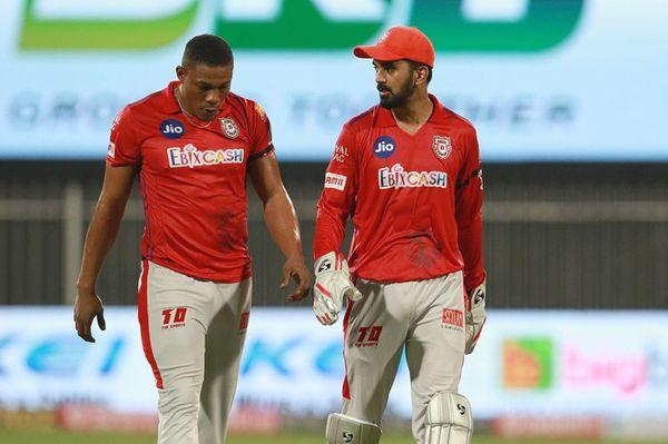 शेल्डन कॉटरेल को राजस्थान की पारी के 18वें ओवर में राहुल तेवतिया ने 5 छक्के मारे। यहीं से मैच पंजाब के हाथों से निकल गया।