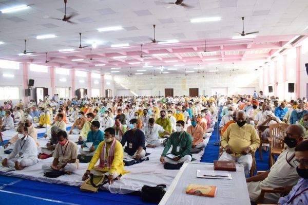 बेंगलुरु में आयोजित बैठक में 450 प्रतिनिधियों ने भाग लिया। करीब 1,000 अन्य प्रतिनिधि वर्चुअल तौर पर इस बैठक से जुड़े।