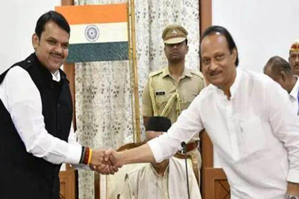 23 नवंबर 2019 की सुबह भाजपा ने एनसीपी के अजित पवार की अगुवाई में सरकार बना ली थी। हालांकि, केवल 80 घंटे के बाद सरकार गिर गई थी।