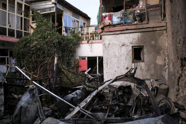 अमेरिकी ड्रोन हमले में तबाह हुई गाड़ी। अमेरिकी अधिकारियों को इसमें विस्फोटक भरा होने की आशंका थी।