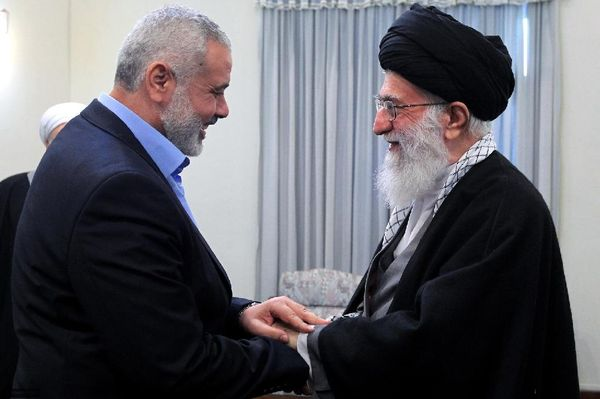 हमास के वरिष्ठ नेता इस्माइल हनीयेह ने ईरान के सर्वोच्च नेता अयातुल्ला अली खुमैनी से मुलाकात की (फाइल)