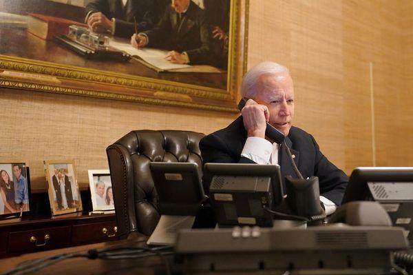बाइडेन ने इस्राइली प्रधानमंत्री बेंजामिन नेतन्याहू से फोन पर बात की।
