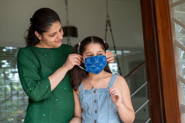 यूनिसेफ ने भी बच्चों पर कोरोना के असर को लेकर स्टडी की है। साथ ही यह भी बताया है कि पैरेंट्स को क्या करना चाहिए। फोटो-यूनिसेफ