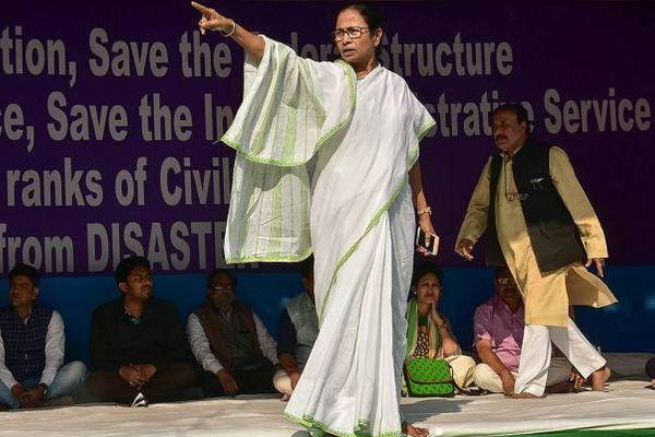 घोटाले की आंच मुख्यमंत्री ममता बनर्जी तक पहुंची। तब CBI ने दावा किया कि सीएम रिलीफ फंड से करीब 6.21 करोड़ तारा टीवी को दिए गए थे, जो शारदा ग्रुप की ही एक कंपनी है।