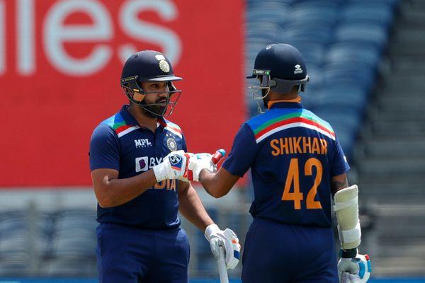 રોહિત શર્મા અને શિખર ધવને પ્રથમ વિકેટ માટે 103 રનની ભાગીદારી કરી હતી.