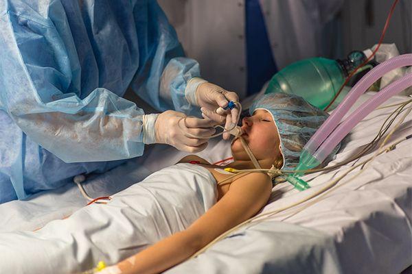 હોસ્પિટલમાં એડમિટ બાળકની ફાઈલ તસવીર.