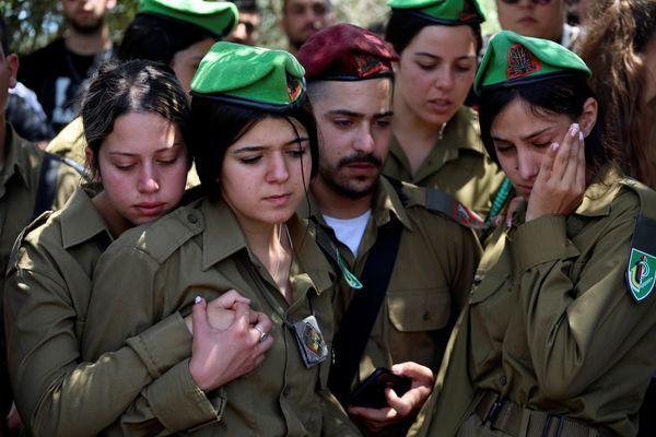 इजरायली महिला सैनिक