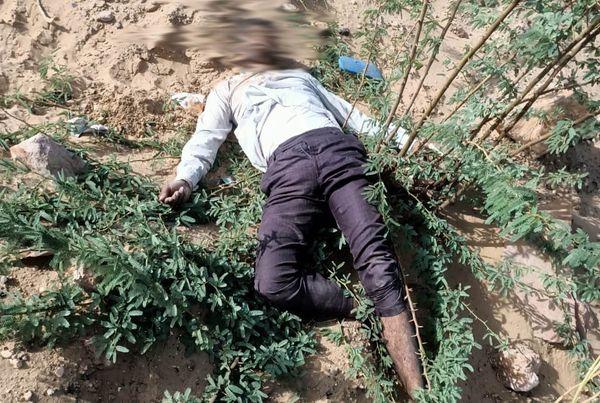 मृतक रुघवीर सिंह की लाश सड़क किनारे मिली थी।