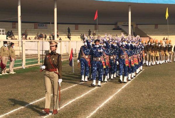गुरू गोबिंद सिंह स्टेडियम में परेड की अगुवाई करती IPS ज्योति यादव