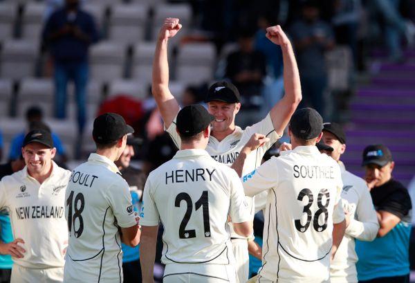 न्यूजीलैंड की जीत में अहम रोल निभाने वाले काइल जेमिसन बेहद खुश नजर आए। उन्होंने फाइनल में दोनों पारी मिलकर 7 विकेट लिए। उन्होंने कोहली और पुजारा को दोनों पारियों में आउट किया।