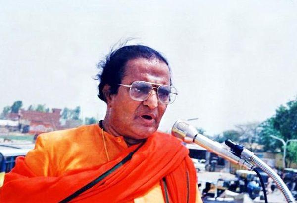 1982 में आज ही के दिन एनटी रामाराव ने तेलुगु देशम पार्टी बनाई थी।