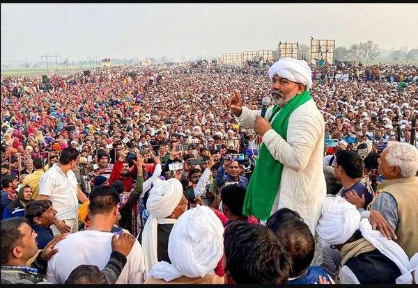 વ્યવહારિક રીતે ભારતીય કિસાન યુનિયનની કમાન રાકેશ ટિકૈતના હાથમાં છે અને તમામ મહત્ત્વના નિર્ણયો રાકેશ ટિકૈત જ લે છે.