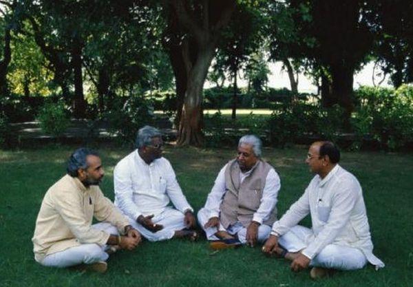 (बाएं से) नरेंद्र मोदी, काशीराम राणा, केशुभाई पटेल और शंकर सिंह वाघेला (फाइल फोटो)। इन्होंने ही गुजरात में भाजपा के संगठन का खास मॉडल खड़ा किया था।