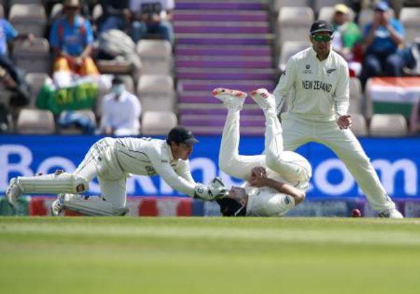 साउदी से मैच के दौरान पंत का कैच छूट गया था। तब वो स्लिप में खड़े थे।