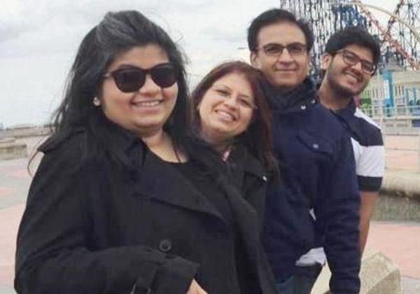 पत्नी, बेटी और बेटे के साथ दिलीप जोशी