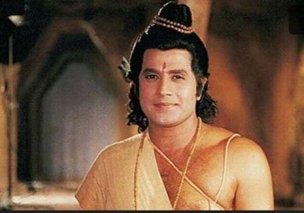 अरुण गोविल का मानना है कि श्रीराम का रोल के बाद उनकी इमेज ऐसी हो गई कि कोई भी डायरेक्टर कमर्शियल फिल्म देने तैयार नहीं हुआ।